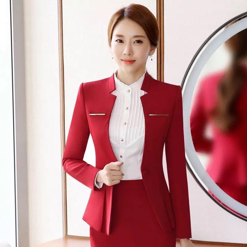 你知道酒店服务员服饰的特点都有哪些吗