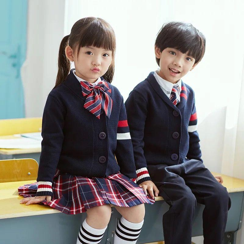 定制校服给校园起到了哪些作用。