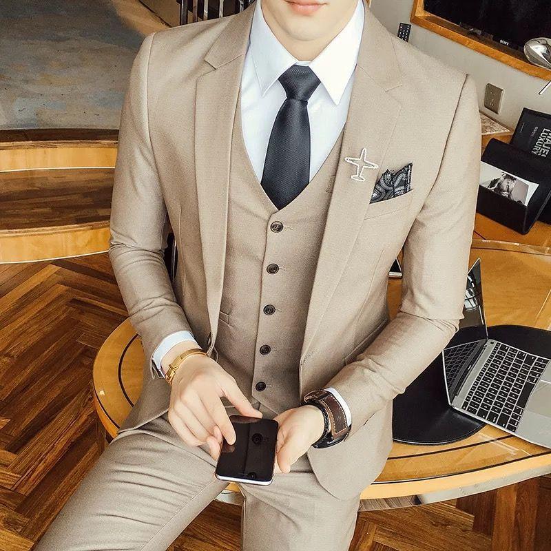 应该如何选择定制西装的领型呢