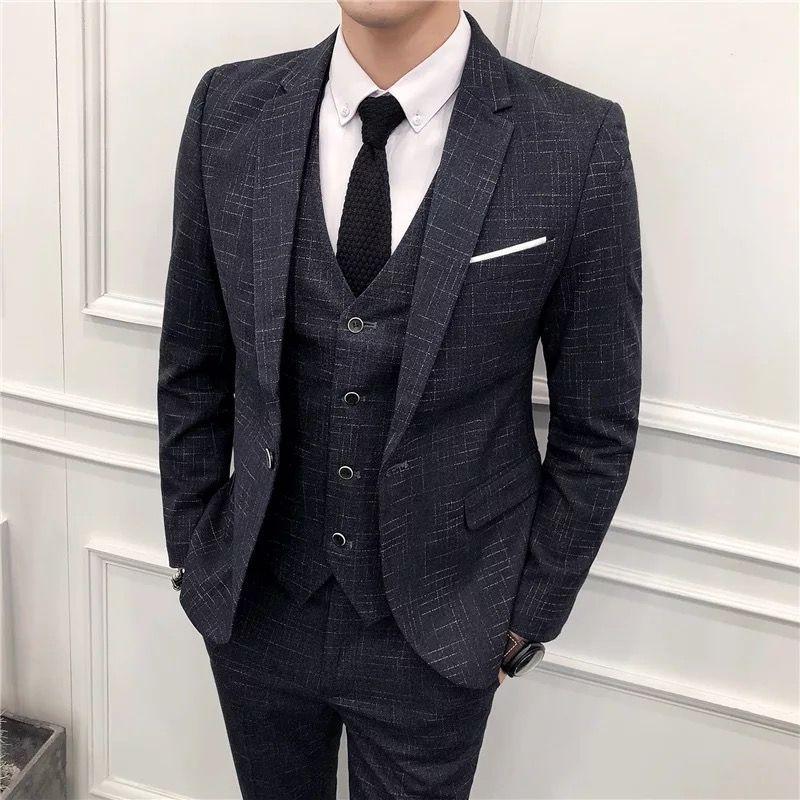定制西服的大小和颜色应该怎么选择呢?
